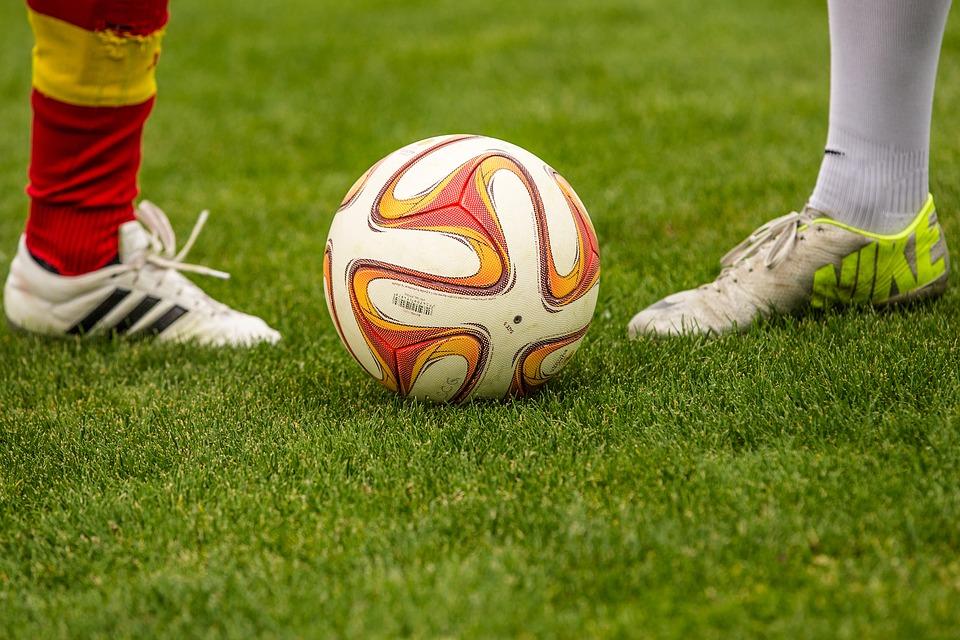 Vi har fundet danskernes foretrukne fodboldrejser frem.